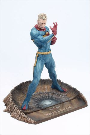 other_miracleman-statue_photo_03_dp.jpg
