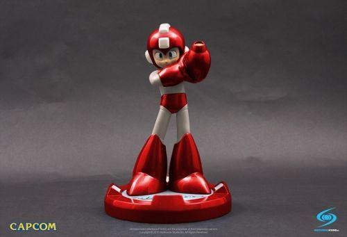 CAPCOM_Mega_Man_Statue_Red.jpg