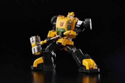 Flame_Toys_Bumble_Bee_Pic_1.jpg