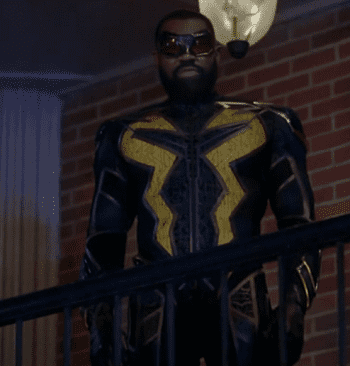 black_lightning_s03e08_001_shrunk.png